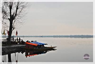 dal lake in winter