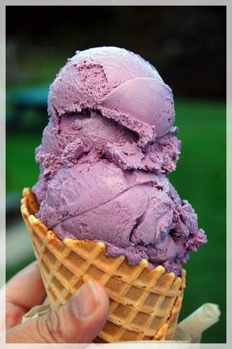 black raspberry ice cream