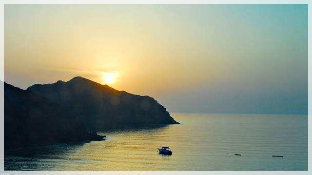 rising sun in fujairah