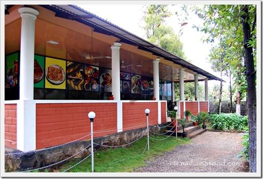 Restaurant at the resort in Athirapally