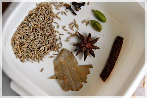 spices for kabuli pulao
