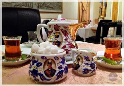 gorgeous teaset at abshar dubai